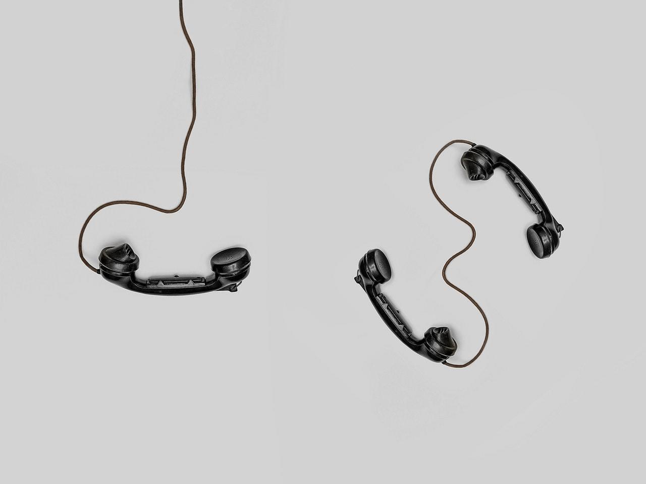 Three black handset toys 821754